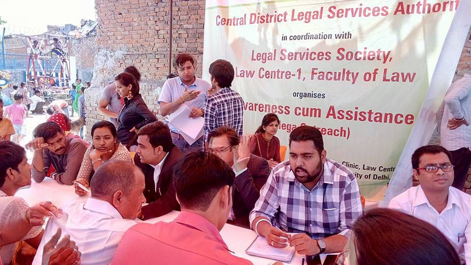 "Central & West DLSA in coordination with Legal Services Society, Law Center -1 Faculty of Law organised Legal Awareness Programme on the topic of "" Unorganized Labour"""