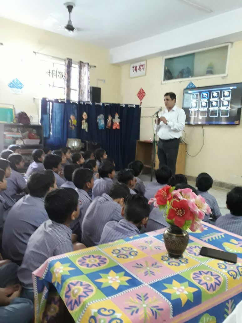 """DLSA East celebrated """"Teacher's Day"""" by organising an Awareness Programme by deputing Mr. Charan Jeet, LAC  DLSA East/KKD as Resource Person on the topic  """"Importance of Education & National Unity"""" on 05.09.2017  at Shishu Bharti Vidyalya, Gandhi Nagar, Delhi.  Participating students were very enthusiastic in making queries and the programme was appreciated by all concerned."""