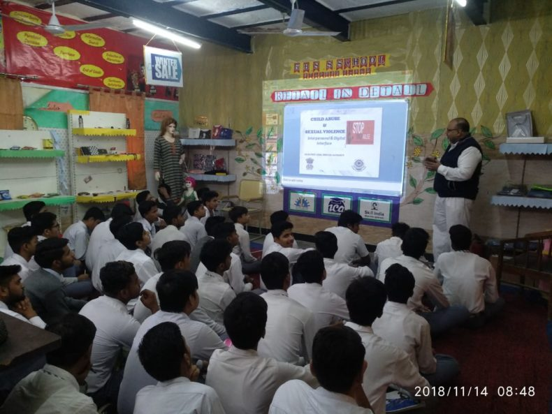 """In compliance of directions of DSLSA, DLSA (East) in association with District Education Authorities organised an Awareness-cum-Sensitization Programme at """"GBSSS, Chander Nagar, Delhi for the students of the school on """"Child Abuse & Sexual Violence Module"""" on 14.11.2018. Sh. Sanjay Gupta, LAC (DLSA)/East was the Resource Person for the programme who addressed a big number of  students through lectures, PPTs, Videos etc. and had interaction with them."""