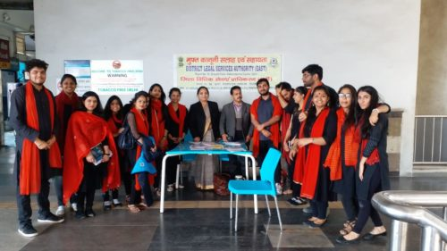 """In compliance of directions of Delhi State Legal Services Authority and as directed by the Ld. District & Sessions Judge/Chairman(DLSA)/East, Karkardooma Courts, Delhi with a view to celebrate """"International Women's Day"""", DLSA (East) in association with Authorities of DMRC and other Stakeholders, have set up Legal Held Desks and organised Nukkad Nataks on various issues related to Women by deputing Legal Aid Counsels, Para Legal Volunteers and Nukkad Natak Team on 07.03.2019 at Mayur Vihar, Phase-I, Metro Station."""