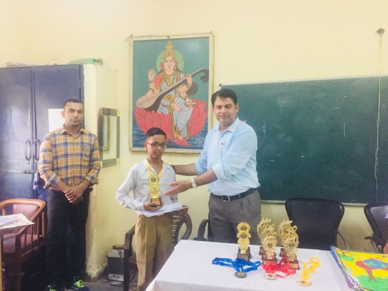 DLSA, Rohini Courts organized a Drawing competition   at Government Boys Senior Secondary School, gali No. 15, Bhatta Road Libaspur, Swaroop nagar,Delhi.