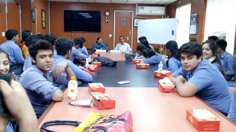 Visit of Students of Modern School, Barakhamba Road, New Delhi to the Patiala House Court on 06.04.2018 to understand the court proceeding on various cases.