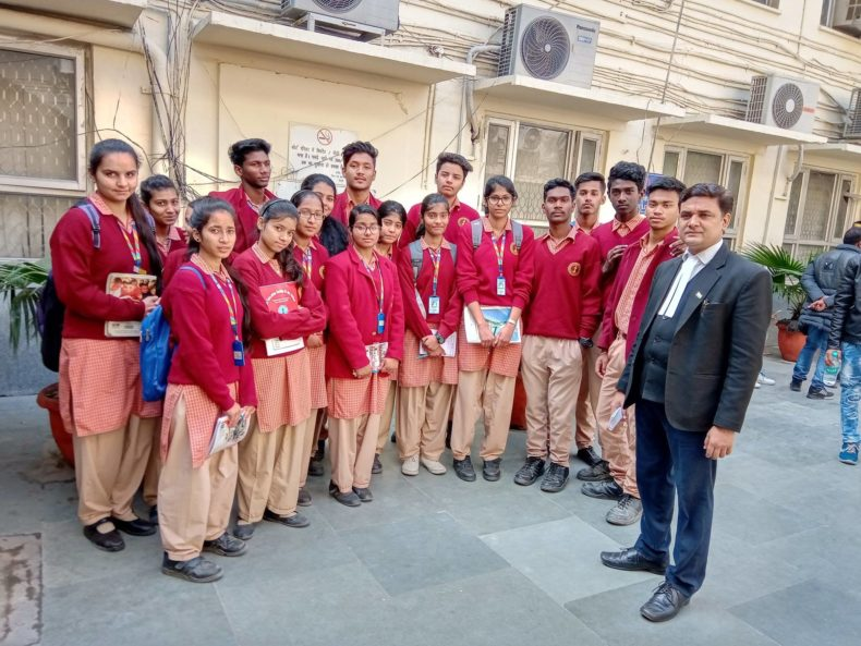 Visit of School Students from Kerela School, Sector-8, R.K. Puram in Patiala House Court Complex to observe the court proceedings on 04.02.2019.