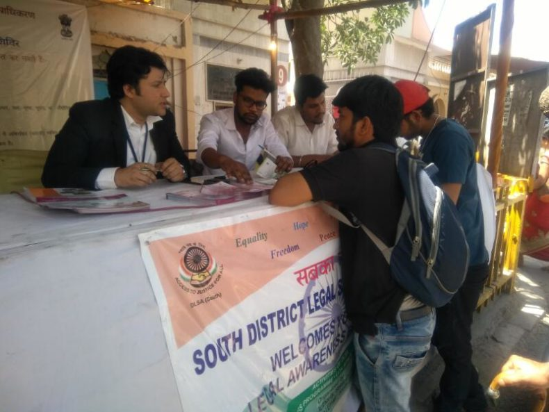 Dlsa South Elished Legal Aid Clinics Help Desk At Chattarpur Temple On 02 04 2017