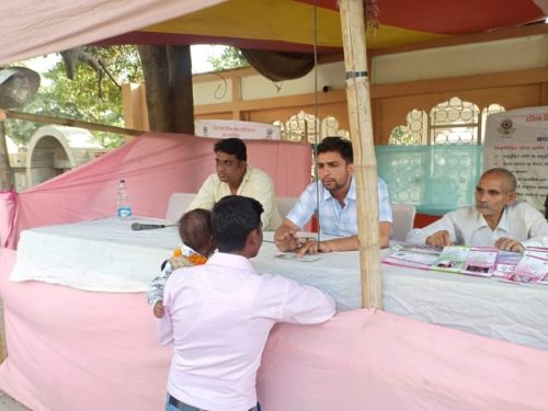 DLSA (SOUTH) ESTABLISHED LEGAL AID CLINICS/ HELP DESK AT CHATTARPUR TEMPLE ON 12.10.2018