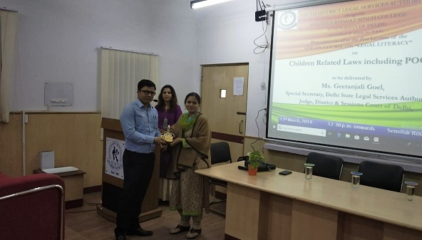 """DLSA (SOUTH) CONVENED THE ADD ON COURSE ON """"LEGAL LITERACY"""" AT SHAHEED BHAGAT SINGH COLLEGE ON 13.03.2019"""