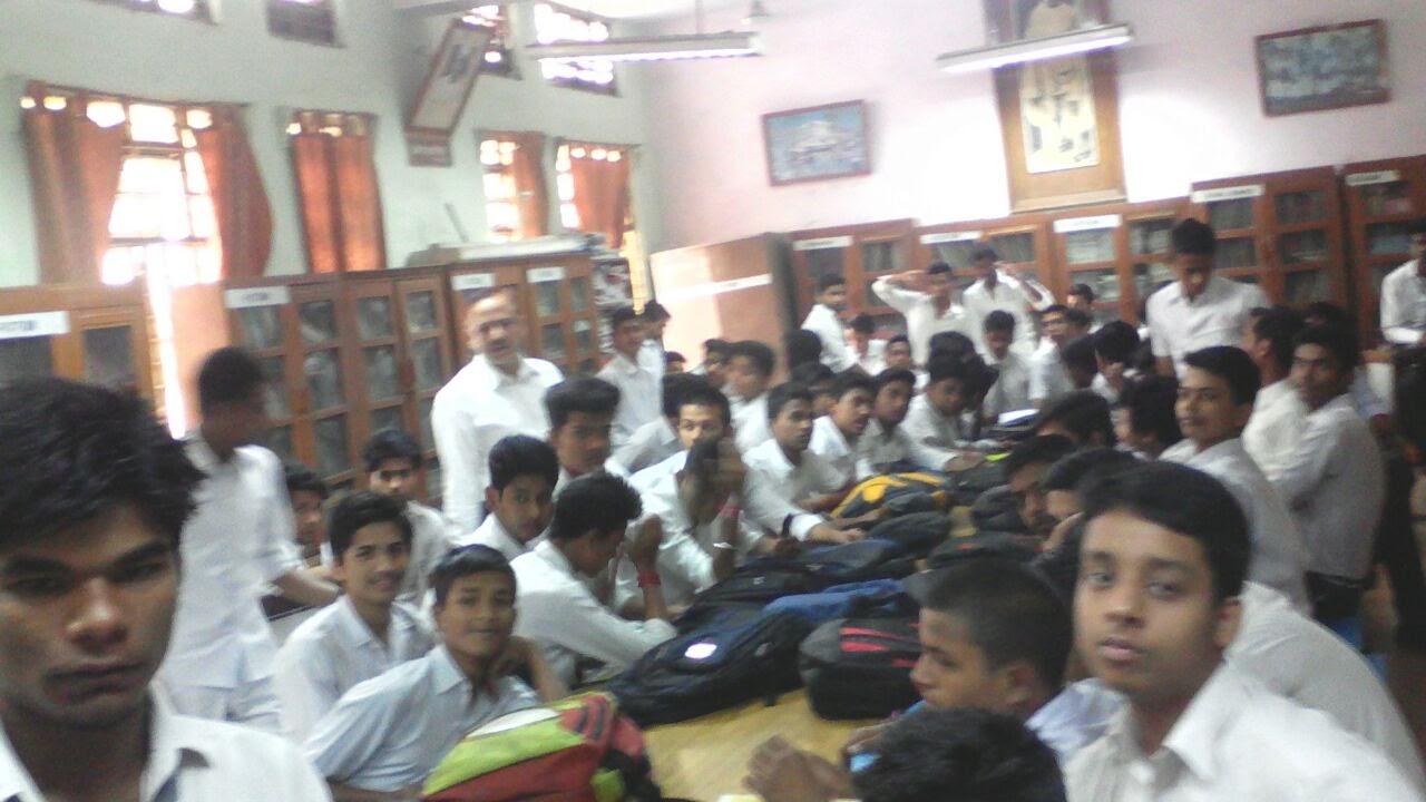 javed-husain-06-05-2016-in-sbv-sriniwaspuri-school-003