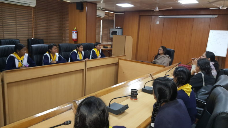 Visit of School Students in DLSA Shahdara, Karkardooma Courts, Delhi on 16.02.2018