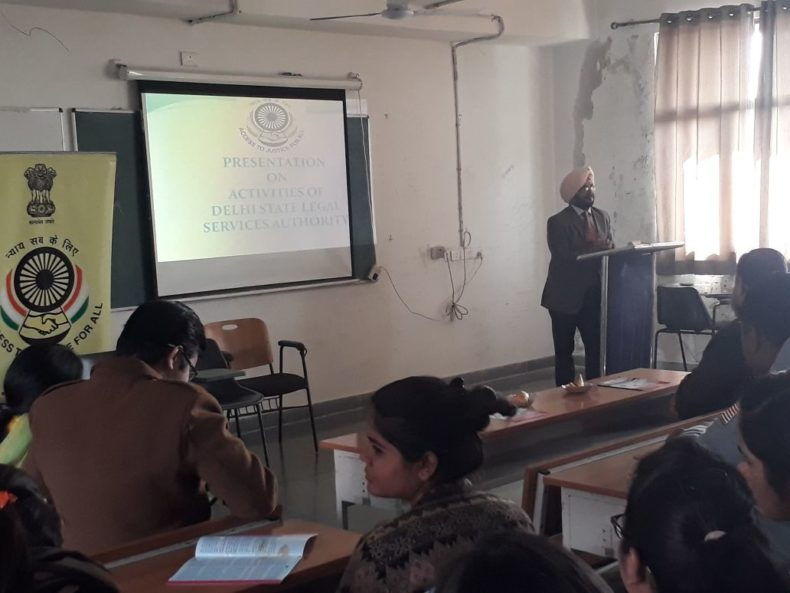 Sh. Jagmohan Singh, Ld. Secretary, SW-DLSA addressing students of Law Faculty on 11.01.2018.