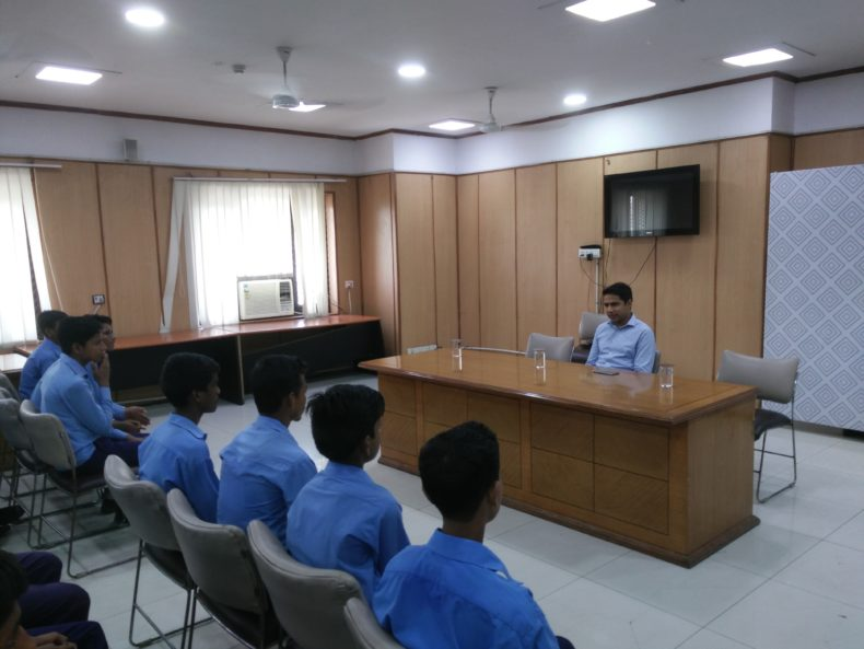 Court visit by GBSSS, Mundka School